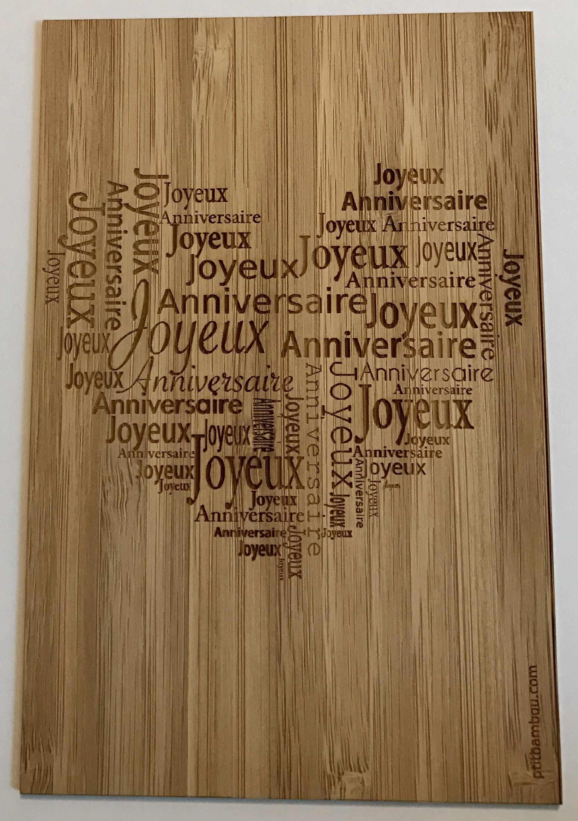 carte en bois gravée joyeux anniversaire