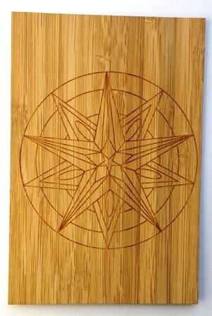 carte postale en bois mandala