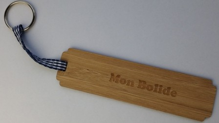 porte clés en bambou MON BOLIDE